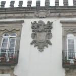 Brasão dos Breu Lima (que substituiu o dos Távoras, destruido durante a vigência de Marquês de Pombal)