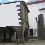 Casa dos Arcos ou de João Velho, quinhentista e de traçado Gótico (Lg. Inst. Histórico do Minho)