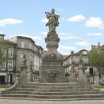 Chafariz - Estátua de Viana, de 1974, estilo Rococó (Jardim Público)