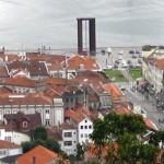 Vista panorâmica, ao fundo Monumento à Liberdade (Praça da Liberdade)