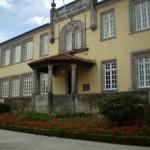 Escola Dr. Alfredo Magalhães, conhecida por EB1 da Avenida (Av. Combatentes da Grande Guerra)